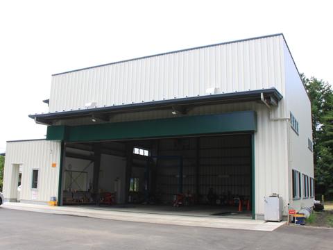 運輸部自動車整備工場が竣工
