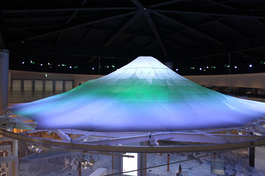 山梨県立富士山世界遺産センター スライド2枚目