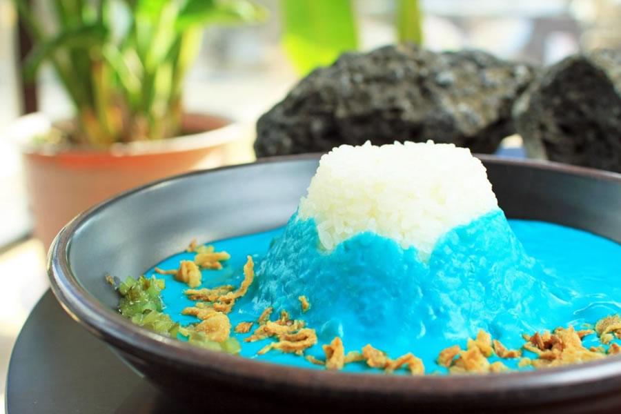 """青い富士山カレー""""Mt.FujiCurry"""""""