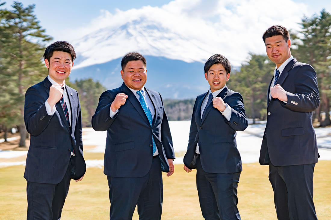 富士観光開発-社員座談会-集合写真01